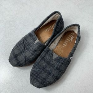 Toms Flats | Fleece Toms size 8